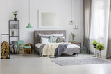 Green and silver spacious bedroom - 190395159