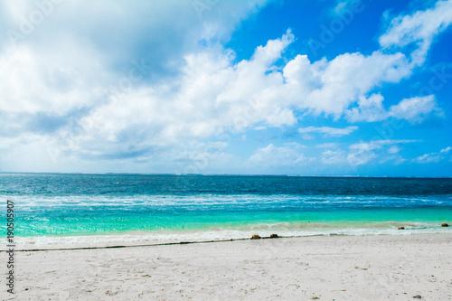 Foto op Aluminium Blauw Beautiful landscape of clear turquoise Indian ocean, Maldives islands