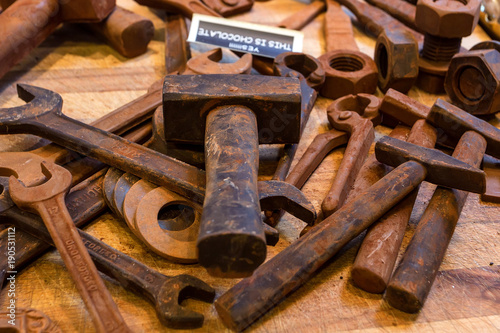 Aluminium Brugge Chocolate in shape of tools sold in Belgium close