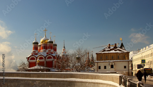 Fotobehang Moskou View of the Beautiful Temple and the Chamber of Boyars of the Romanovs, located on theVarvarka..