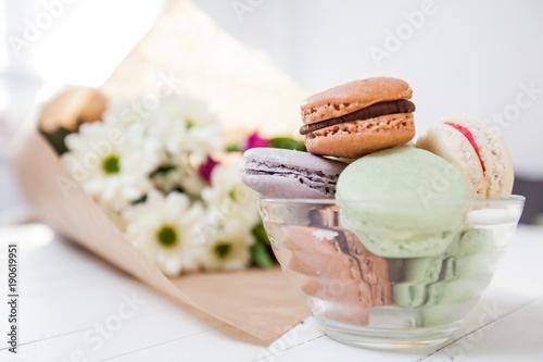 Foto op Aluminium Macarons Dessert Handmade Macarons and Flowers