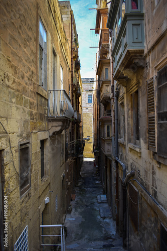 Fotobehang Smalle straatjes Narrow street