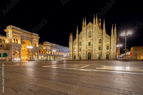 Foto op Canvas Milan Milan. Cathedral of the Nativity of the Virgin Mary at dawn.