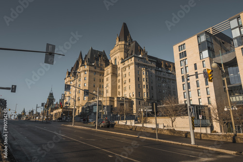 Fotobehang Canada OTTAWA, ONTARIO / CANADA - JANUARY 28 2018: PARLIAMENT BUILDINGS IN DOWNTOWN OF OTTAWA