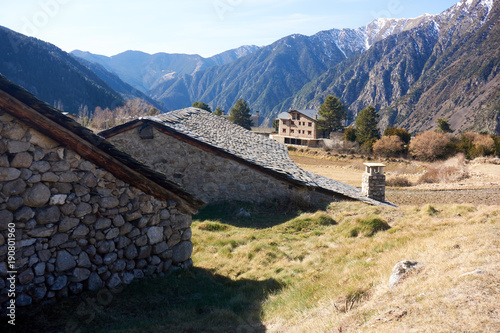 In de dag Nachtblauw Mountain village house 1, ANDORRA, Engolasters