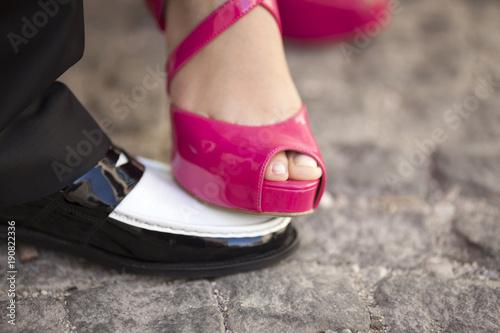Plagát Bride Foot On The Groom Shoe