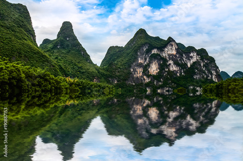 Keuken foto achterwand Guilin The beautiful rivers and landscape of the Lijiang River in Guilin, China