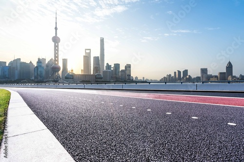 Foto op Canvas Shanghai empty road with modern building