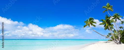 Panorama plaży marzeń, lato, morze, piasek i słońce