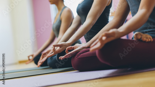 Aluminium School de yoga Yoga and mindfulness meditation