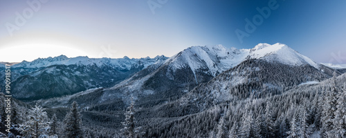 Papiers peints Photos panoramiques Winter Hight Tatra mountains landscape
