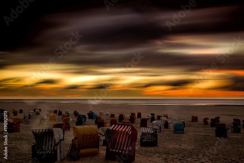 Aluminium Noordzee Sonnenuntergang über dem Strand auf der Nordseeinsel Juist in Nordfriesland, Deutschland, Europa.