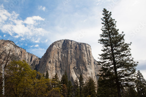 Fotobehang Zwart El Capitan mountain, Yosemite.