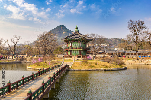 Foto op Canvas Seoel Spring at Gyeongbokgung Palace, Seoul, South Korea