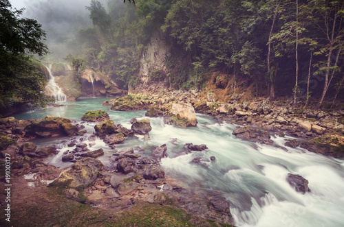 Fotobehang Galyna A. Pools in Guatemala