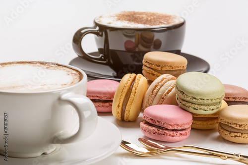 Papiers peints Cafe Cappuccino and French macaroons.