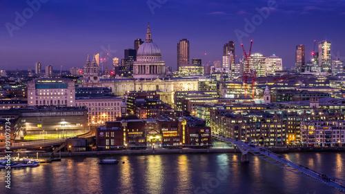 Keuken foto achterwand Londen St Pauls and the London skyline