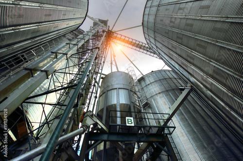 Leinwanddruck Bild Agricultural Silos in Ontario, Canada