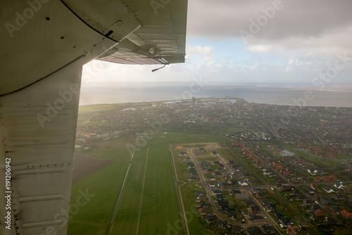 In de dag Noordzee Büsum aus einem Flugzeug