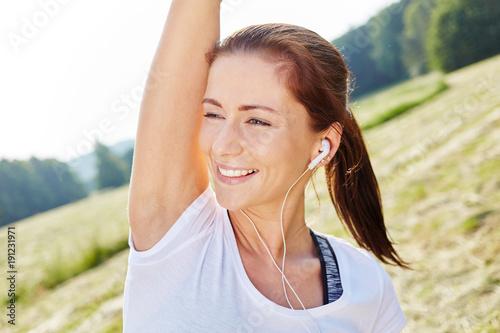 Foto Murales Junge Frau macht Aerobic