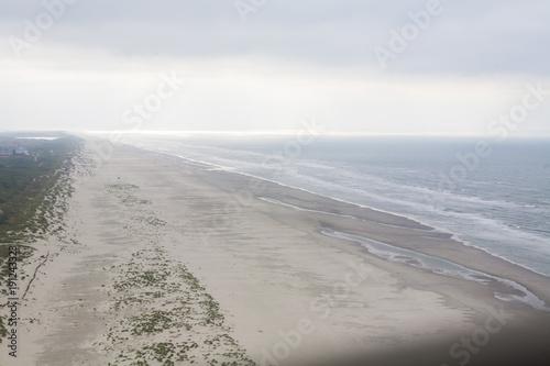 In de dag Noordzee Juist Nordseeinsel von oben