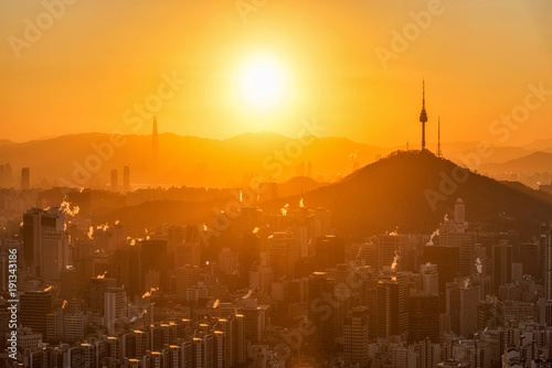 Keuken foto achterwand Seoel Sunrise in Seoul winter cityscape at Seoul city ,South Korea