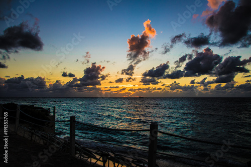 Foto op Canvas Zee zonsondergang Tropical Ocean Sunset