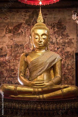 Fotobehang Boeddha Gold Buddha statue.