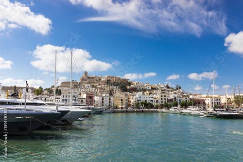 port et village d'ibiza, Baleares, espagne