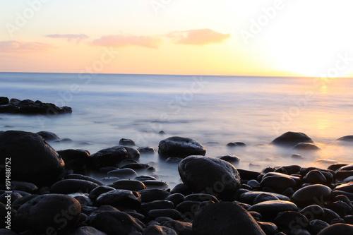 Papiers peints Mer coucher du soleil Sunset at the beach