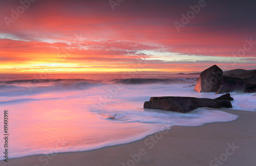 Foto op Plexiglas Ochtendgloren Port Stephens glowing in morning sunrise