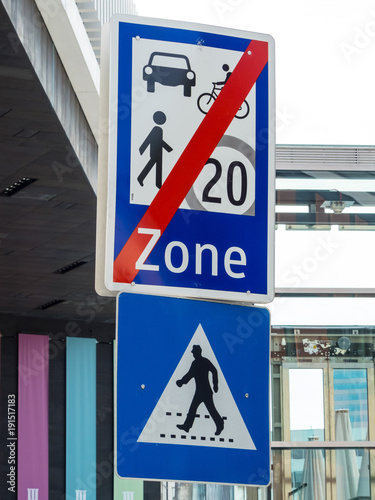 traffic sign meeting zone