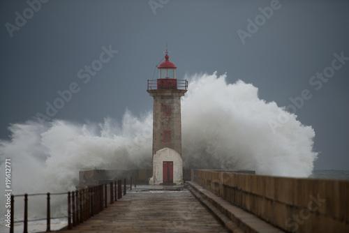 Fotobehang Vuurtoren Storm