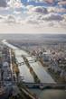 Vista del río Sena en París desde la torre Eiffel