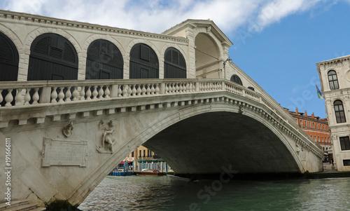 Foto op Canvas Venetie Rialto bridge in Venice without people