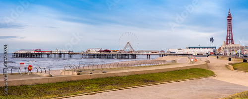 Keuken foto achterwand Amusementspark Blackpool central pier and tower