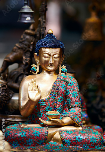 Foto op Canvas Boeddha Statue of meditation Buddha sitting on lotus