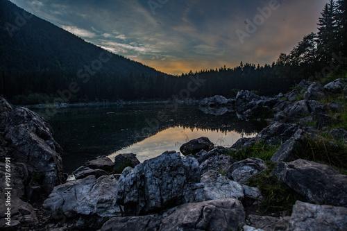 Fotobehang Zwart laghi di fusine