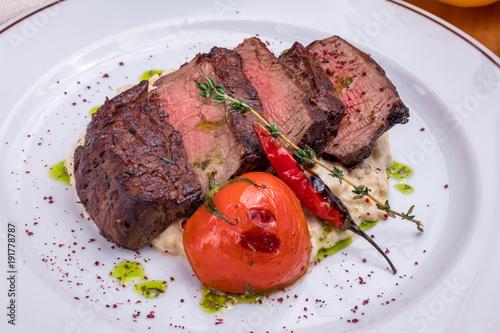 Foto op Aluminium Steakhouse Beef steak sliced