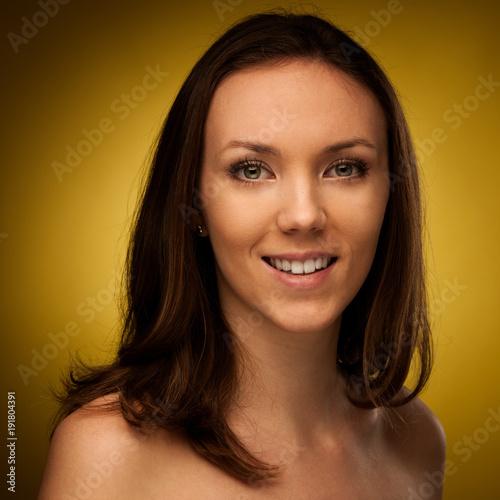 Fotobehang Kapsalon Beauty portrait of a beautiful young brunette woman
