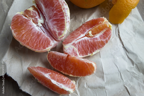 Oranges Sections