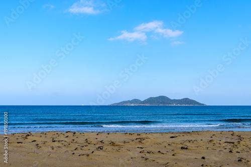 Fotobehang Blauw 北斗の水汲み海浜公園からの眺め