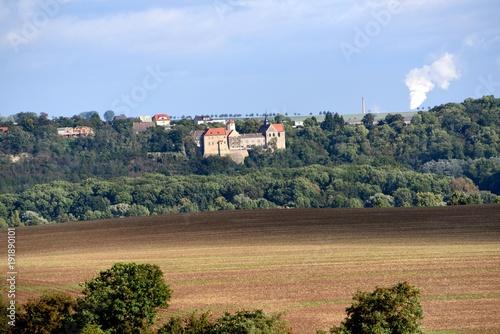 Foto op Plexiglas Blauwe hemel Blich von Schloss Schönburgauf Schloss Goseck