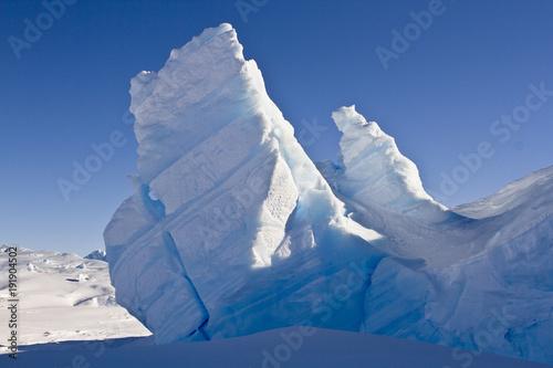 Papiers peints Antarctique Icebergs in the Davis sea, Antarctica