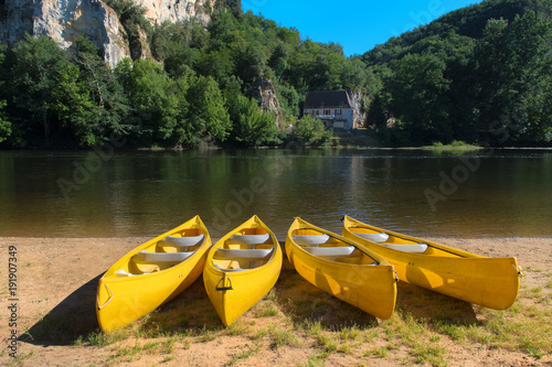 Poster River the Dordogne with canoes for rent
