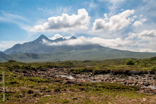 Tuinposter Blauw A beautiful endless desert landscape on the island of Skye in Scotland