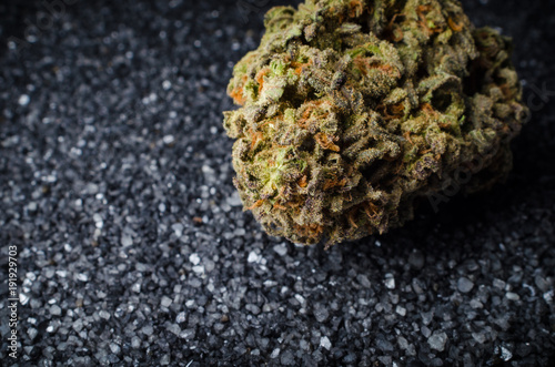 Fotobehang Stenen Cannabis Nug - Strain: Cheese Blower