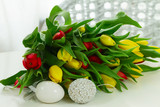 catkins in pot with easter eggs - 192000387