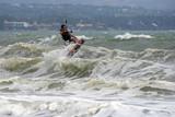 Kitesurfer in action - 192023503