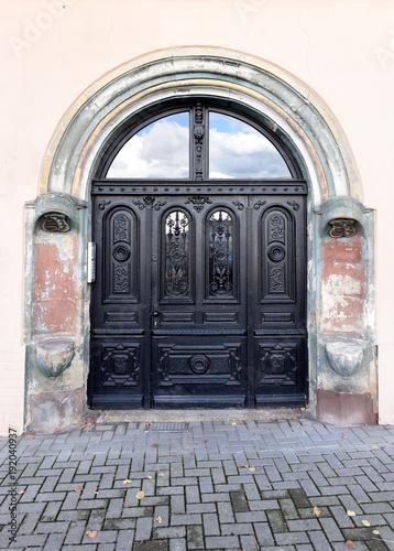historische Tür in Weissenfels an der Saale